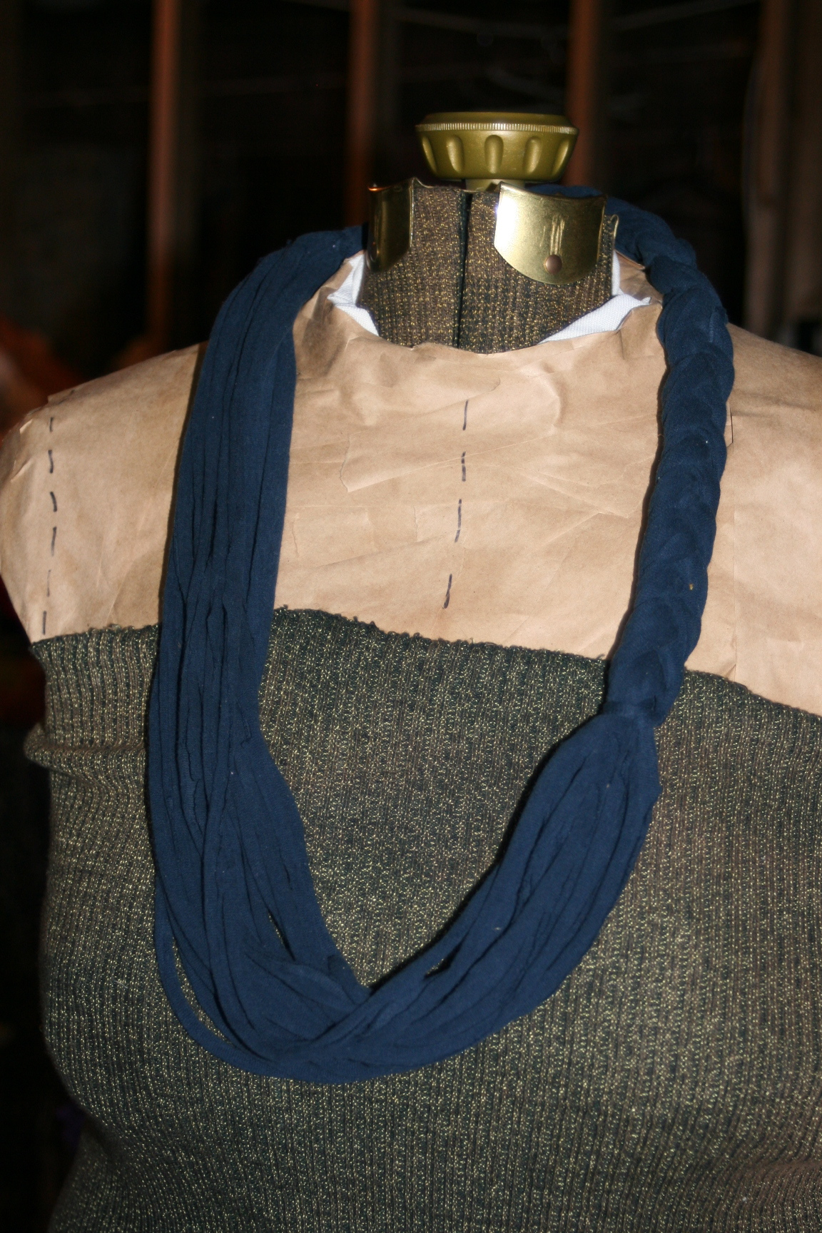 8 simple to make no sew variations of the T-shirt scarf ...